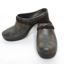 Crocs Womens Sarah Brown Floral Dual Comfort Clogs Mules Size 9 Crocs203764 EUC