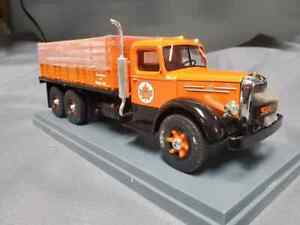 """First Gear #3319 Mack L Series """"Supertest"""" Stake Truck with Display Case"""