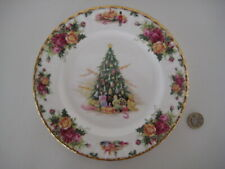 RARE ROYAL ALBERT ENGLAND OLD COUNTRY ROSES CHRISTMAS MAGIC 8 INCH DESSERT PLATE