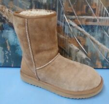 UGG Australia 5835 Womens Short Boots Size 8 Leather and Sheepskin Lined Tan