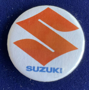 SUZUKI Logo Tin Retro Collectable badge