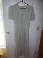 KARI'S KORNER DRESS SIZE 12 LT GREEN