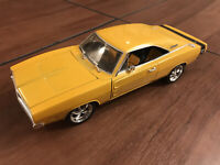 1/18 Hot Wheels Dukes 1969 DODGE CHARGER yellow
