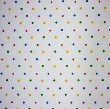Weiß Polycotton Multi primären Polka Dot Spot Stoff Kinder in Not * Pro Meter