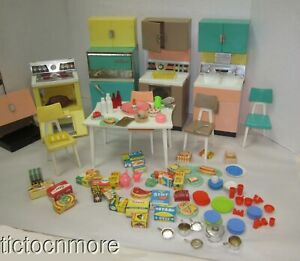 VINTAGE BARBIE DELUXE DREAM KITCHEN APPLIANCES TABLE CHAIRS DISHES FOOD PANS