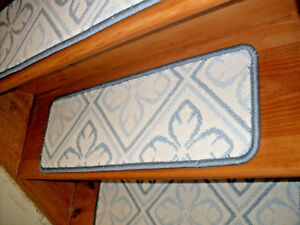 13 Step  9'' x 30'' + 1 Landing 21'' x 30''  Tufted carpet Wool  Stair Treads.