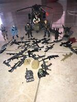 Helicopter GI Joe/Accessories (toys) 5 Plastic Gi Joe Soldiers And  3 Non Gi Joe
