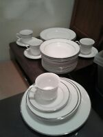 25 pc Gibson Housewares Platinum Dinnerware - 4 full place settings + 5 plates