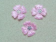10 belle en satin rose fleurs avec Couleur Argent Diamonte Style Centre