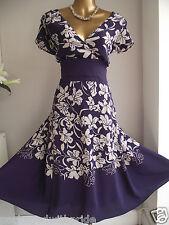 Hermoso Púrpura femenino Seda Natural Floral FIT N FLARE Boda Fiesta Vestido 22