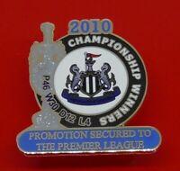 Danbury Mint Pin Badge Newcastle United Football Club Championship Winners 2010