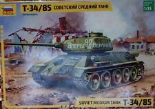 q Zvezda 3533 - T-34/85  (Scala 1/35)