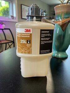 3M 25L 23582 HB Quat Disinfecting Cleaner, 2L Bottle, Fragrance Free