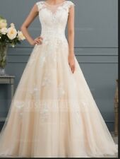 2018 Beautiful Ball gown wedding dress, ivory, embellished with lace and tulle