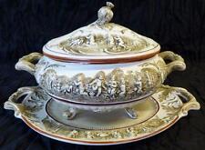 Antigua Sopera R Capodimonte porcelana fabricada en Italia. Años 50.
