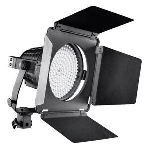 walimex pro LED Spotlight XL + Abschirmklappen, 5600±300K Tageslicht, dimmbar