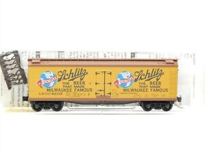 N Scale Micro-Trains MTL 49420 URTC Schlitz 40' Wood Reefer #92132