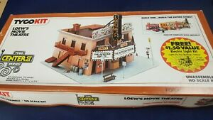 HO Scale Model Building Tyco Kit #7799 Loews Movie Theatre Unpunched Orig Box