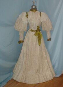 Antique Dress Victorian 1890s Beige Paisley Print Leg of Mutton Sleeve Lace Trim