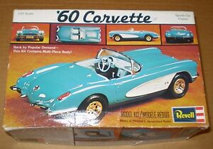MODEL KIT REVELL VINTAGE CORVETTE 60s KIT 1/25