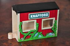 THOMAS TANK ENGINE Wooden Railway - Knapford Station Engine Shed /tunnel AS NEW