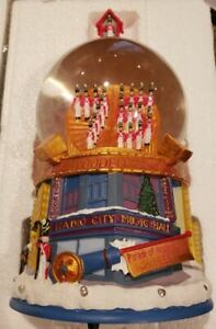 Radio City Music Hall Snow Globe 75 Parade of Wooden Soldiers 2008 Musical