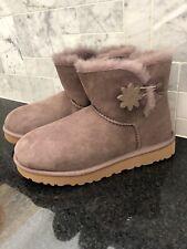 Women's UGG Bailey Button II Flower Boots- Size 7-#1109471