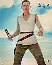 Daisy Ridley Signed Star Wars Jedi Skywalker 11x14 Photo - Rey Beckett BAS 26
