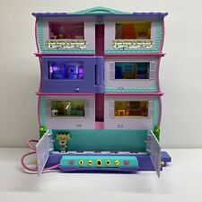 Mattel Pixel Chix Roomies Mansion Apartments + Miss Sporty Figure 2006 Works