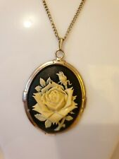 Fashion Jewellery rose flower pendant on Chain necklace