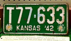 KANSAS - 1942 Sunflower issue Rawlins County TRUCK license plate - original