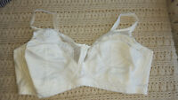 Wirefree Bra Comfort Choice White Stretch Strap Full Coverage Size Choice
