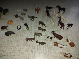 30 Britains Vintage plastic Farm Animals Plus 3 vintage lead tiger, plus extras