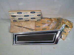 NOS 1973 FORD GRAN TORINO LH FRONT FENDER MOULDING...NEW OEM IN WRAPPER