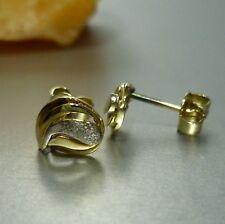 585 / 14k Oro Amarillo Pendientes de botón