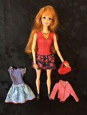 Cecidomia de la Barbie de la vida en el Dreamhouse Muñeca