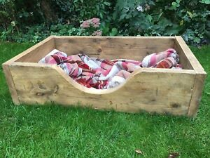 Reclaimed Rustic Wood Scaffold Board Dog Bed - Size & Colour Options!