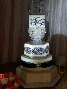 Luxurious Acrylic Crystal Cake Base Stand By Forbes Favors LED