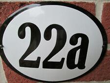 Hausnummer Oval Emaille schwarze Zahl Nr. 22a  weißer Hintergrund 19 cm x 15 cm