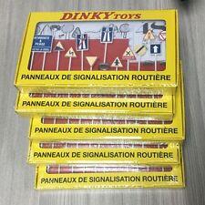 Atlas Dinky Toys No.593 Diecast 12 PANNEAUX DE SIGNALISATION ROUTIERE Set(5pcs)