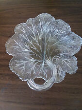 LOVELY CRYSTAL LEAF SHAPED ETCHED SCALLOPED FANCY CANDY DISH