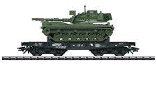 """Trix H0 24214 Schwerlastwagen der DB """"beladen mit Kampfpanzer M 48"""" - NEU + OVP"""