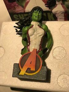 SHE HULK figurine model by Steve Kiwus statue Limited Edition Marvel Incredible