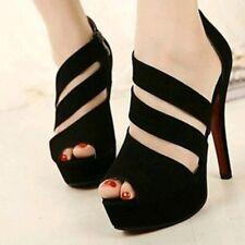 Zapatos negros. Tacón alto. Talla 36