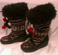 Juicy Couture Winter Snow Boots * 7 *  Black, Red, White Snowflake Knit