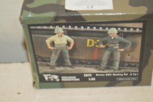 Model 2 Figurine VERLINDEN US Marine WWII Checking Out New N° 1871 1/35