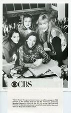 VALERIE HARPER DEBRA JO RUPP ANDREA ABBATE SMILING THE OFFICE 1995 CBS TV PHOTO