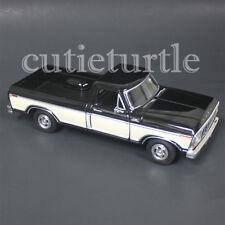 Motormax 1979 Ford F-150 Custom Pickup Truck 1:24 DIECAST 74346 Black / Cream