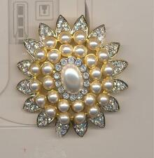 KENNETH LANE FAUX PEARL AND CLEAR CRYSTAL STUNNING PIN