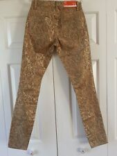 NEW WITH TAGS WOMENS CWONDER MID-RISE SKINNY JEANS, GREAT PRICE!